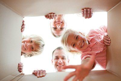 Как выписать детей из квартиры при продаже собственником